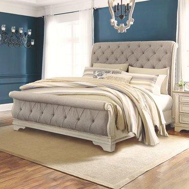 Двуспальная кровать Realyn B743-74-77-98