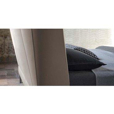 Двуспальная кожаная кровать Модель 75