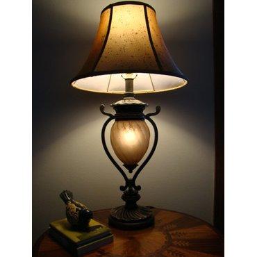 Настольная лампа с абажуром Gavivi L531914