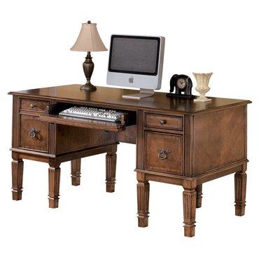 Письменный стол Hamlyn H527-26